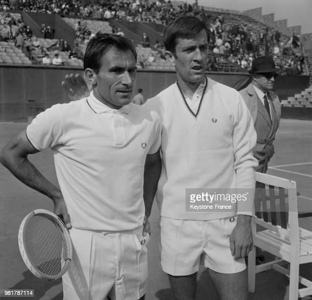 Istvan Gulyas et François Jauffret lors du match de Coupe Davis qui oppose la Hongrie à la France au stade RolandGarros à Paris en France le 19 mai...