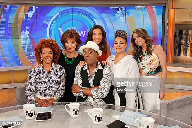 THE VIEW It is Flashback Friday on THE VIEW with guest Arsenio Hall and guest cohost singersongwriter Kelis airing 6/24/16 airing on the Walt Disney...