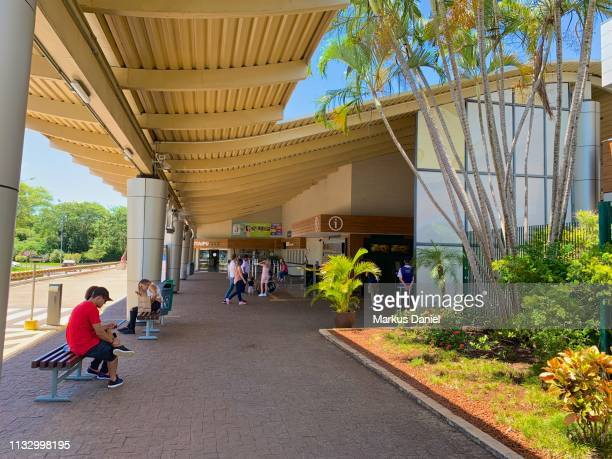 "itaipu dam (itaipu binacional) exterior view of main entrance in foz do iguacu, parana, brazil - ""markus daniel"" fotografías e imágenes de stock"