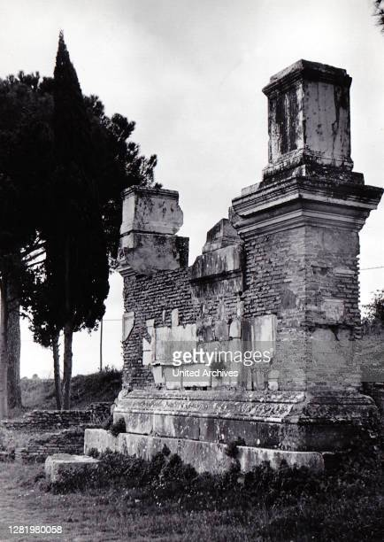 , Italia, Rome, Roma, 1950s, History, Historical, Via Appia Antica, Latin tombs Italy - The Latin graves on the Via Appia near Rome are a sight.