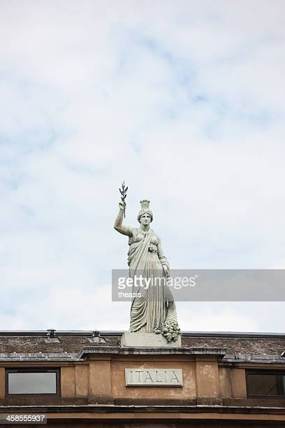 italia statue, glasgow - theasis stock pictures, royalty-free photos & images