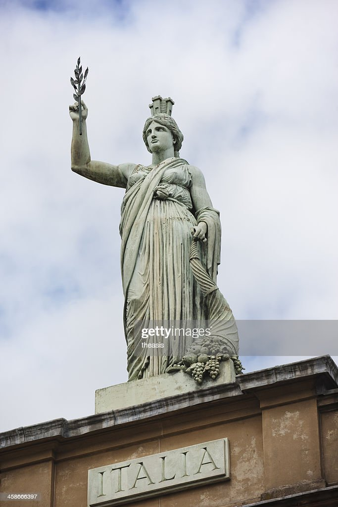 Italia Statue, Glasgow : Stock Photo
