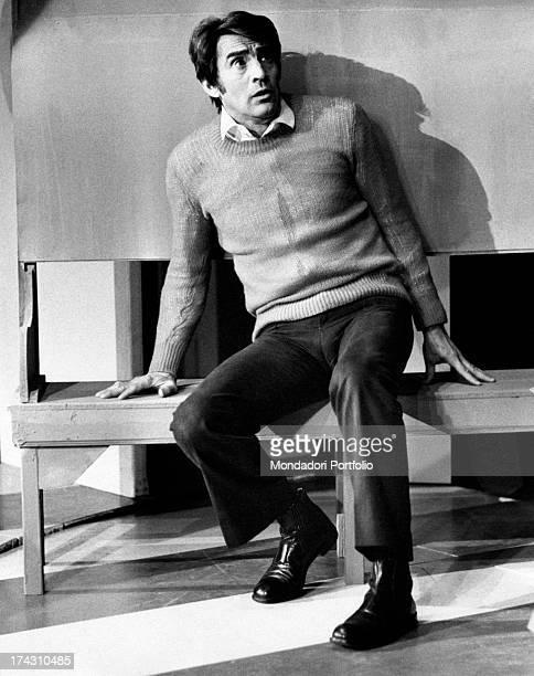 Italian actor and comedian Walter Chiari having a break before performing in Nude Look Brescia 1971