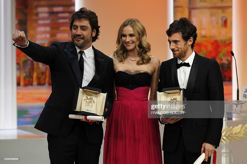 Italian actor Elio Germano (R) and Spanish actor Javier Bardem pose with German actress Diane Kruger after they shared the Best Actor award during the closing ceremony at the 63rd Cannes Film Festival on May 23, 2010 in Cannes.