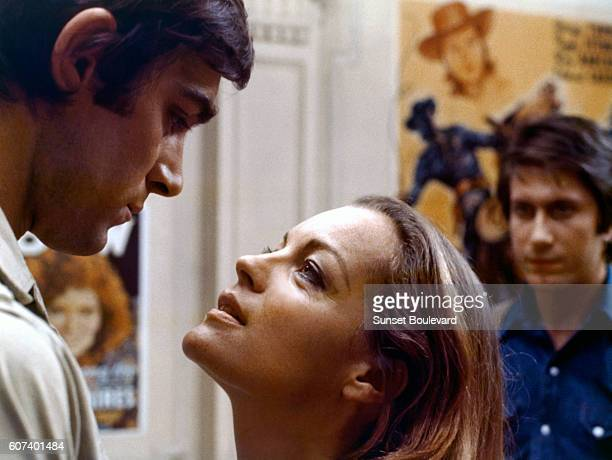 Italian actor Fabio Testi Austrianborn German actress Romy Schneider and French actor Jacques Dutronc on the set of L'important c'est d'aimer written...