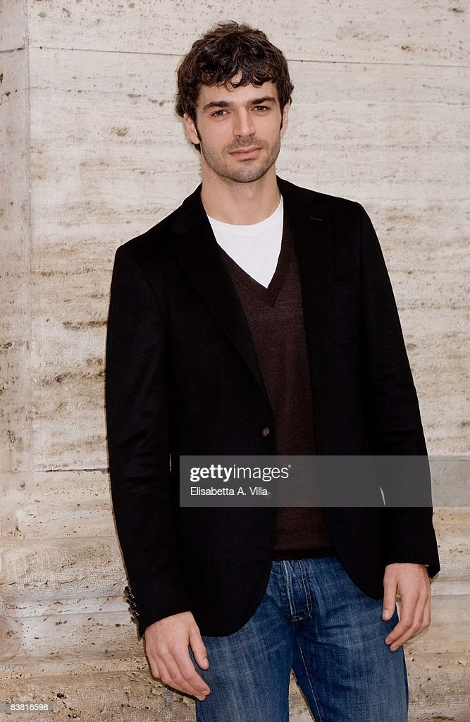 Italian actor Luca Argentero attends 'Solo Un Padre' photocall at Warner Moderno Cinema on November 25, 2008 in Rome, Italy.
