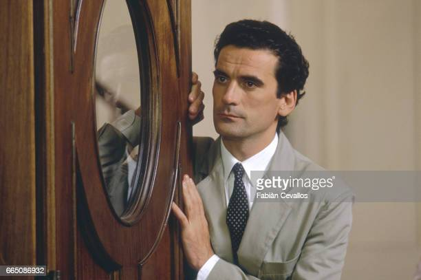 Italian actor Massimo Troisi performs on the set of the movie Splendor directed by Italian director Ettore Scola Coproduced by France and Italy this...