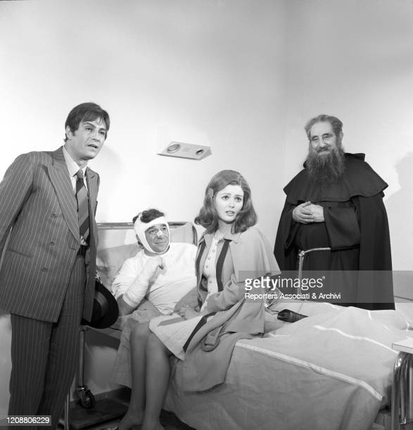 Italian actor Nino Manfredi and American actress Pamela Tiffin visiting Italian actor Ugo Tognazzi at the hospital in the film Kill Me with Kisses....