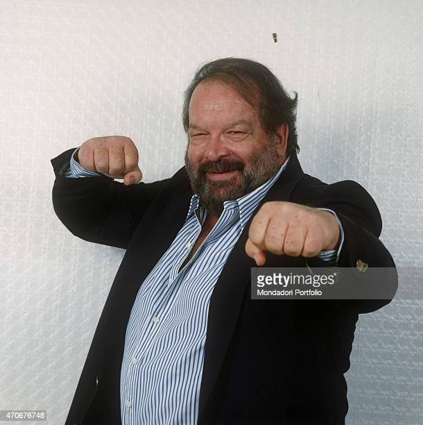 Italian actor scriptwriter and film producer Bud Spencer posing clenching his fists 1988