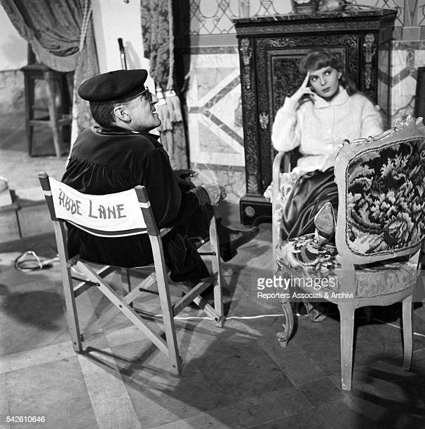 Italian actor Tot˜ and American actress and singer Abbe Lane sitting on the set of Tot˜ Eva e il pennello proibito 21st November 1958