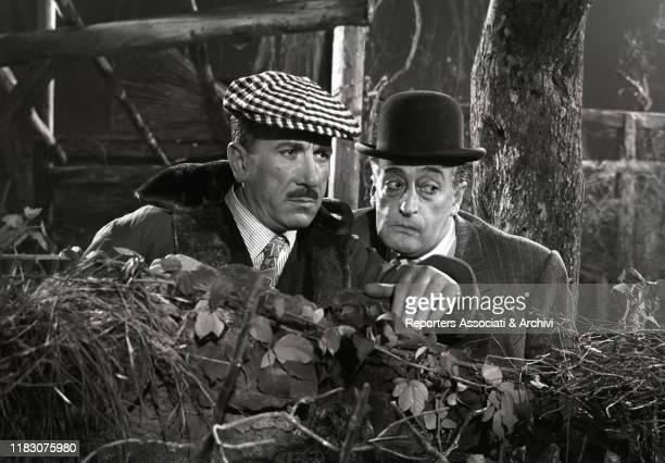 Italian actors Totò and Peppino De Filippo in the film Totò Peppino e i fuorilegge 1956