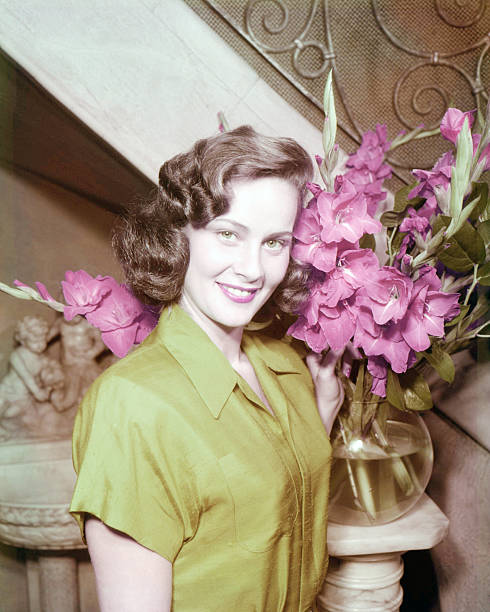 italian-actress-alida-valli-with-a-bowl-