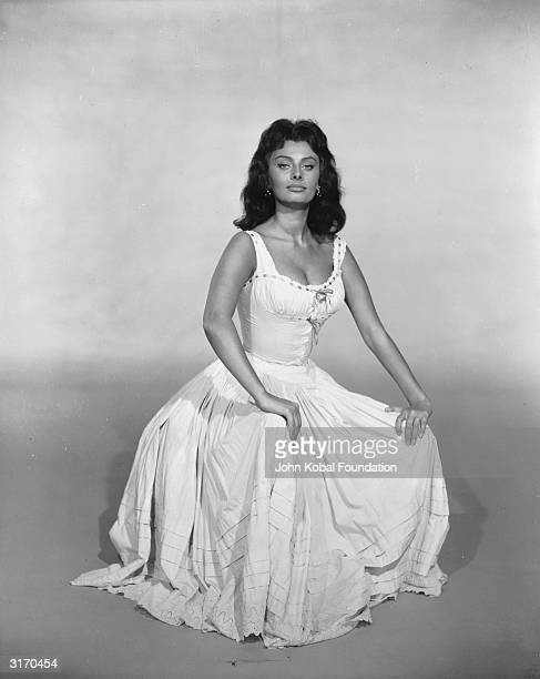Italian actress and sex symbol Sophia Loren plays the seductive Anna Cabot in the 1958 film 'Desire Under The Elms' a steamy drama based on a play by...