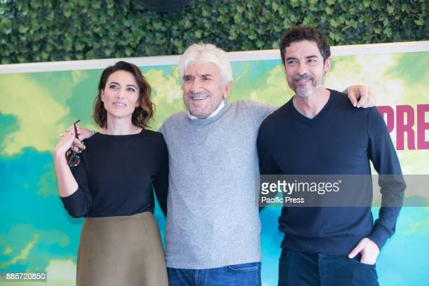 Italian actress Anna Foglietta with italian actors and directors Gigi Proietti and Alessandro Gassmann during the Photocall of the Italian movie 'Il...