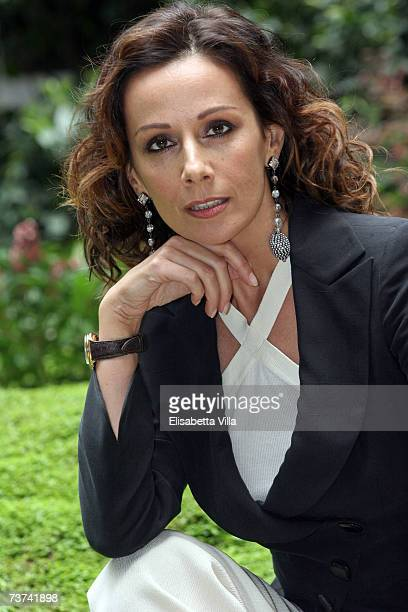 Italian actress Anna Kanakis poses during the photocall for the TV film 'L'inchiesta' at RAI Viale Mazzini on March 29, 2007 in Rome, Italy.