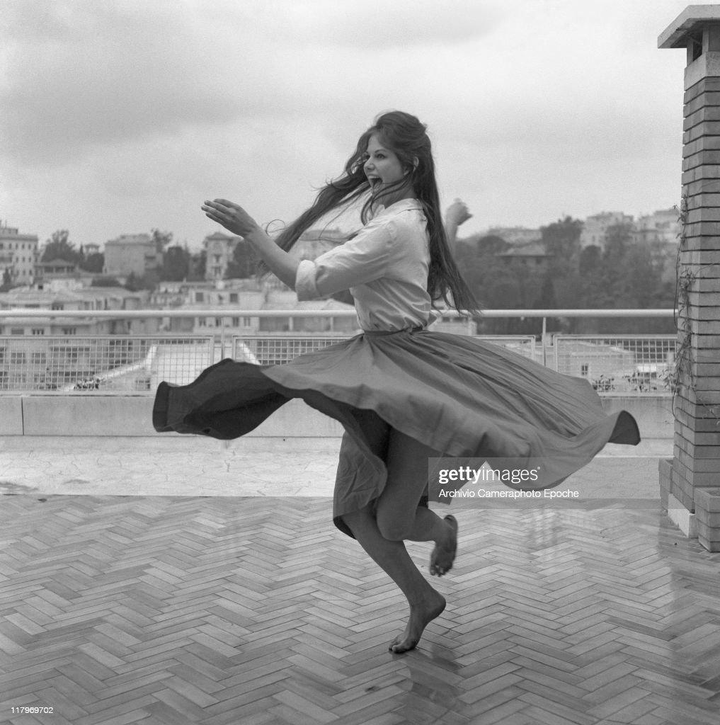Dancing On the Terrace III : Foto di attualità