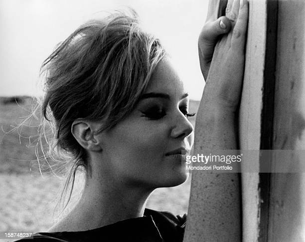Italian actress Edy Vessel posing with her eyes closed 1962