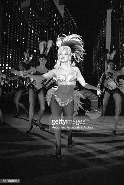 Italian actress Gina Lollobrigida dancing in La bellezza di Ippolita 1962