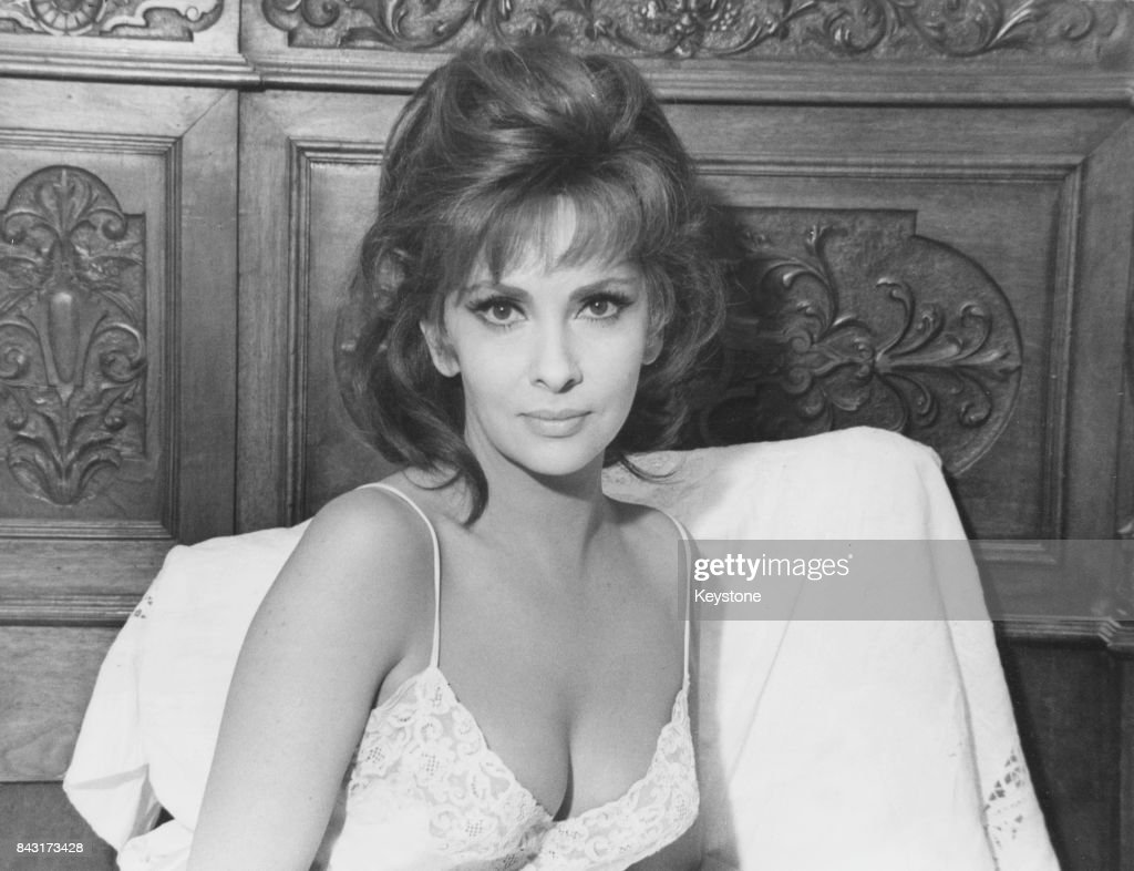 Gina Lollobrigida Nude Photos 15