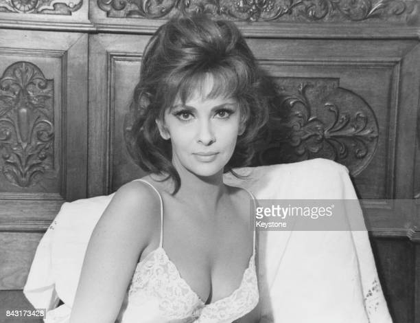 Italian actress Gina Lollobrigida filming 'Un Bellissimo Novembre' in Catania Sicily April 1968