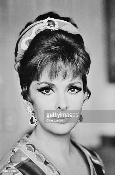 Italian actress Gina Lollobrigida wearing Emilio Pucci 8th June 1967