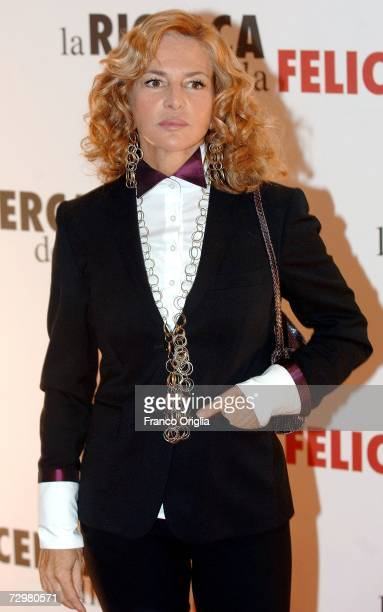 Italian actress Giuliana De Sio attends the premiere of ''Pursuit Of Happyness'' at the Auditorium Conciliazione on January 11, 2007 in Rome, Italy.