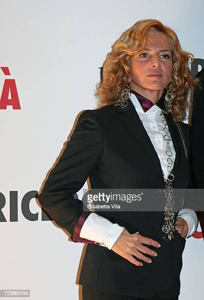 "Italian actress Giuliana De Sio attends ""The Pursuit of Happyness"" premiere at the Auditorium Conciliazione on January 11, 2007 in Rome, Italy."