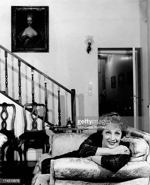 Italian actress Lydia Alfonsi looking at herself in a mirror 1960