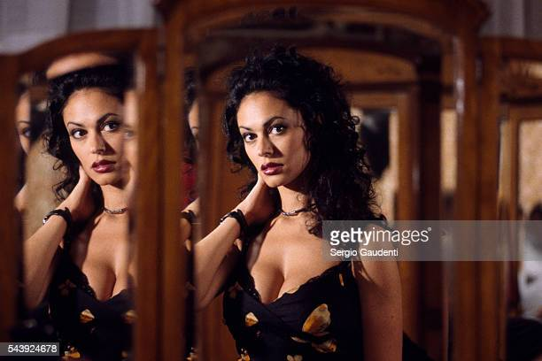 Italian actress Maria Gracia Cucinotta on the set of television movie A la Vie A la Mort directed by Francesco Massaro