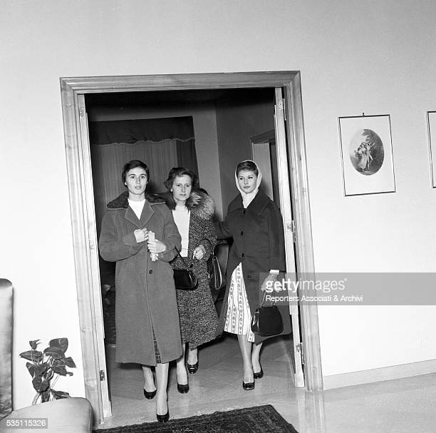 Italian actress Marisa Allasio with her mother Lucia and her sister Fiorella 1955