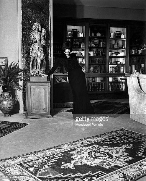 Italian actress Rossana Podestà in the living room of her home in the neighbourhood Parioli Rome 1966