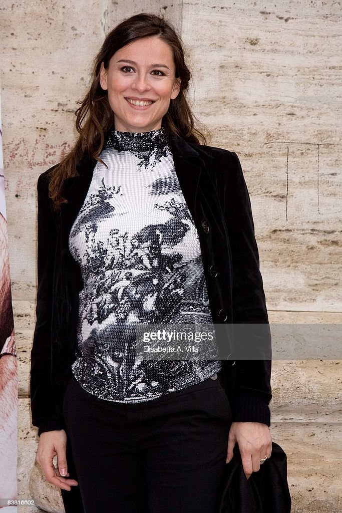 Italian actress Sara D'Amario attends 'Solo Un Padre' photocall at Warner Moderno Cinema on November 25, 2008 in Rome, Italy.