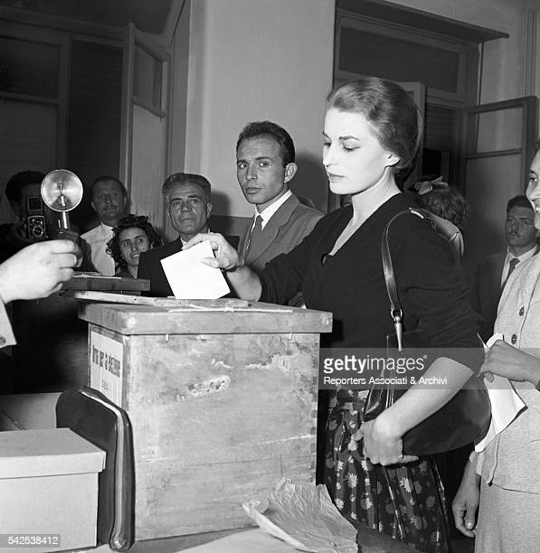 Italian actress Silvana Mangano voting for the election of the provincial council Rome 28th May 1956