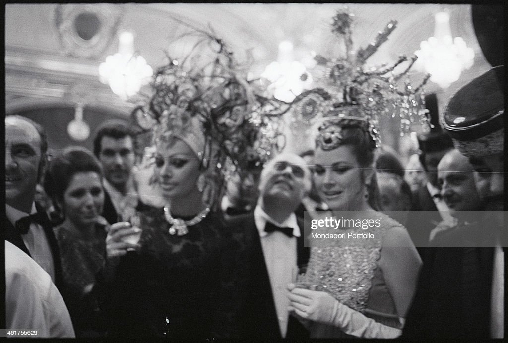 Sophia Loren and Grace Kelly attending a social event in Monte Carlo : News Photo