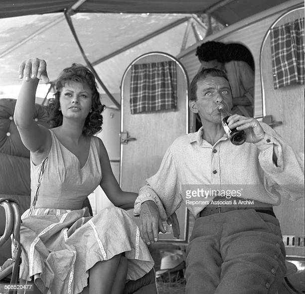 Italian actress Sophia Loren and the American actor Frank Sinatra on the set of the film 'The Pride and the Passion' USA 1957