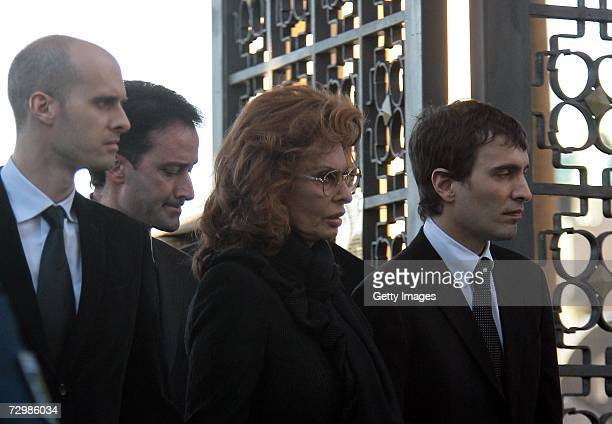Italian actress Sophia Loren her sons Carlo Jr and Eodardo leave the cemetery after the end of funeral of former Italian director Carlo Ponti on...