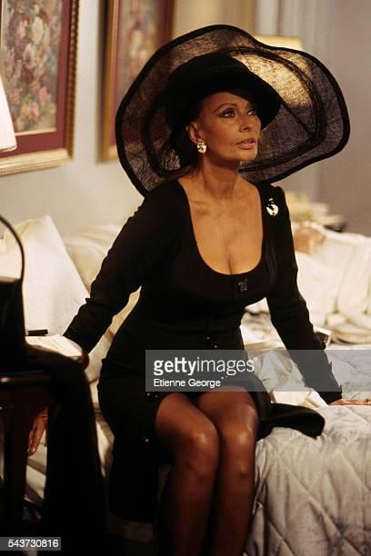 Italian actress Sophia Loren on the set of the film PretaPorter directed by American director Robert Altman
