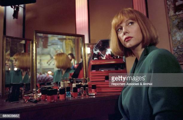 Italian actress Stefania Sandrelli in front of a mirror in Non chiamarmi Omar 1992