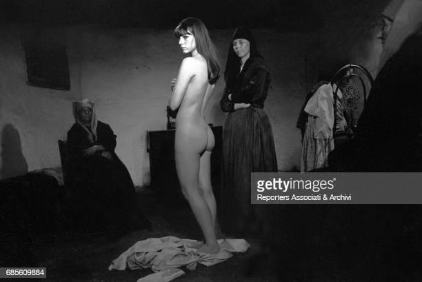 Italian actress Stefania Sandrelli naked in L'amante di Gramigna 1968