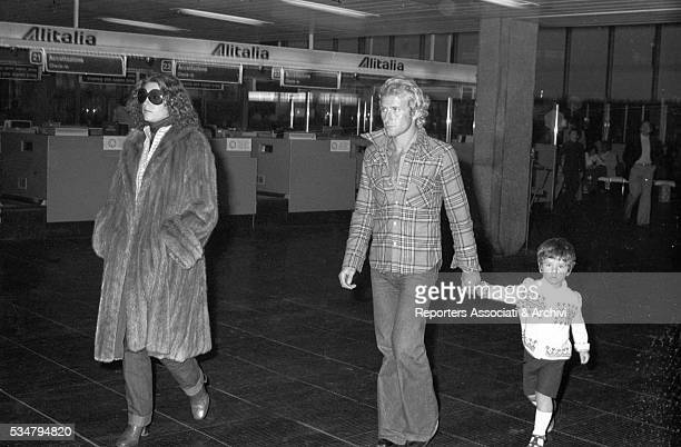Italian actress Stefania Sandrelli with her husband Nicky Pende and their son Vito at Fiumicino airport Rome 27th October 1975