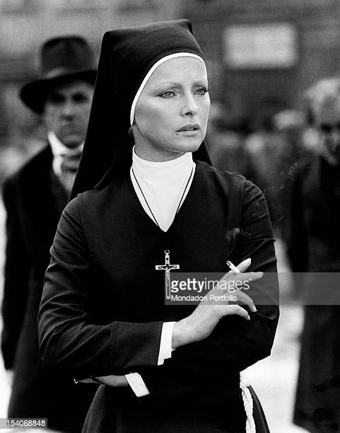 Italian actress Virna Lisi smoking on the set of the film White Fang Bad Mitterndorf 1973