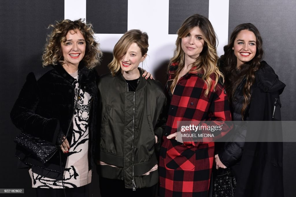 Italian actresses (LtoR) Valeria Golino, Alba Rohrwacher, Vittoria Puccini and Matilde Gioli poses upon their arrival to the women's Fall/Winter 2018/2019 collection fashion show by Moncler in Milan, on February 20, 2018. / AFP PHOTO / Miguel MEDINA
