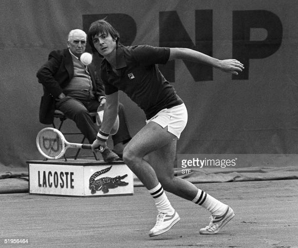 Italian Adriano Panatta hits a forehand to his opponent US Harold Salomon at the French tennis Open in Paris 02 June 1976 Panatta won the tounament