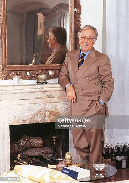 Italian anchorman and columnist Gianfranco Funari at home 1993
