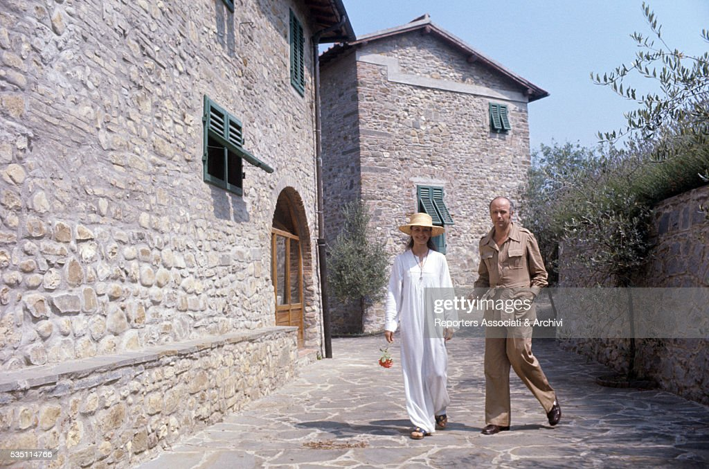 Carla Fracci and Beppe Menegatti outside their villa : News Photo