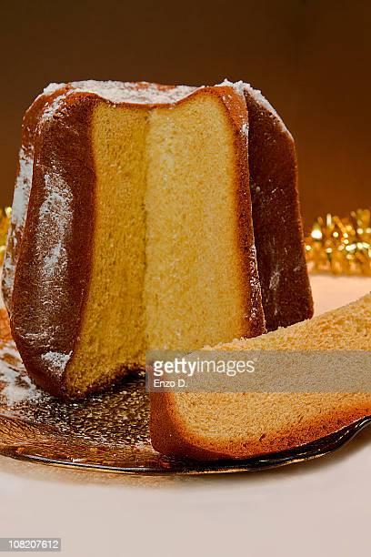 italian christmas cake - panettone foto e immagini stock