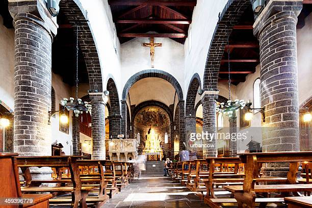 italian church interior - bellagio stock pictures, royalty-free photos & images