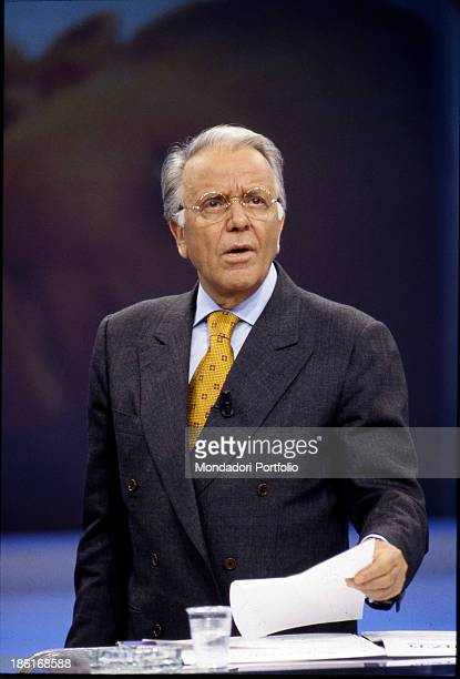 Italian commentator and TV host Gianfranco Funari presenting the TV talk show broadcasted before the TG4 Funari news Italy 1995