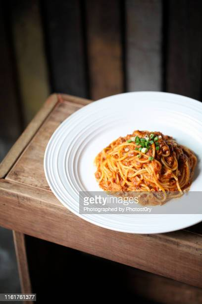 italian cuisine - bolognese spaghetti - bolognese sauce stock pictures, royalty-free photos & images