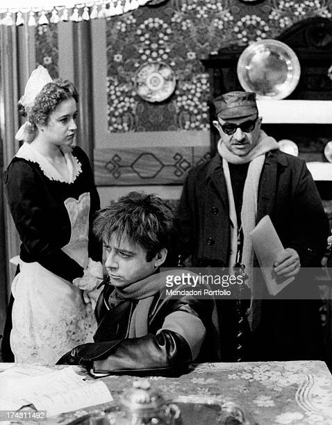 Italian director and scenarist Alberto Lattuada directing Italian actor and comedian Cochi Ponzoni and Italian actress Eleonora Giorgi in Dog's...